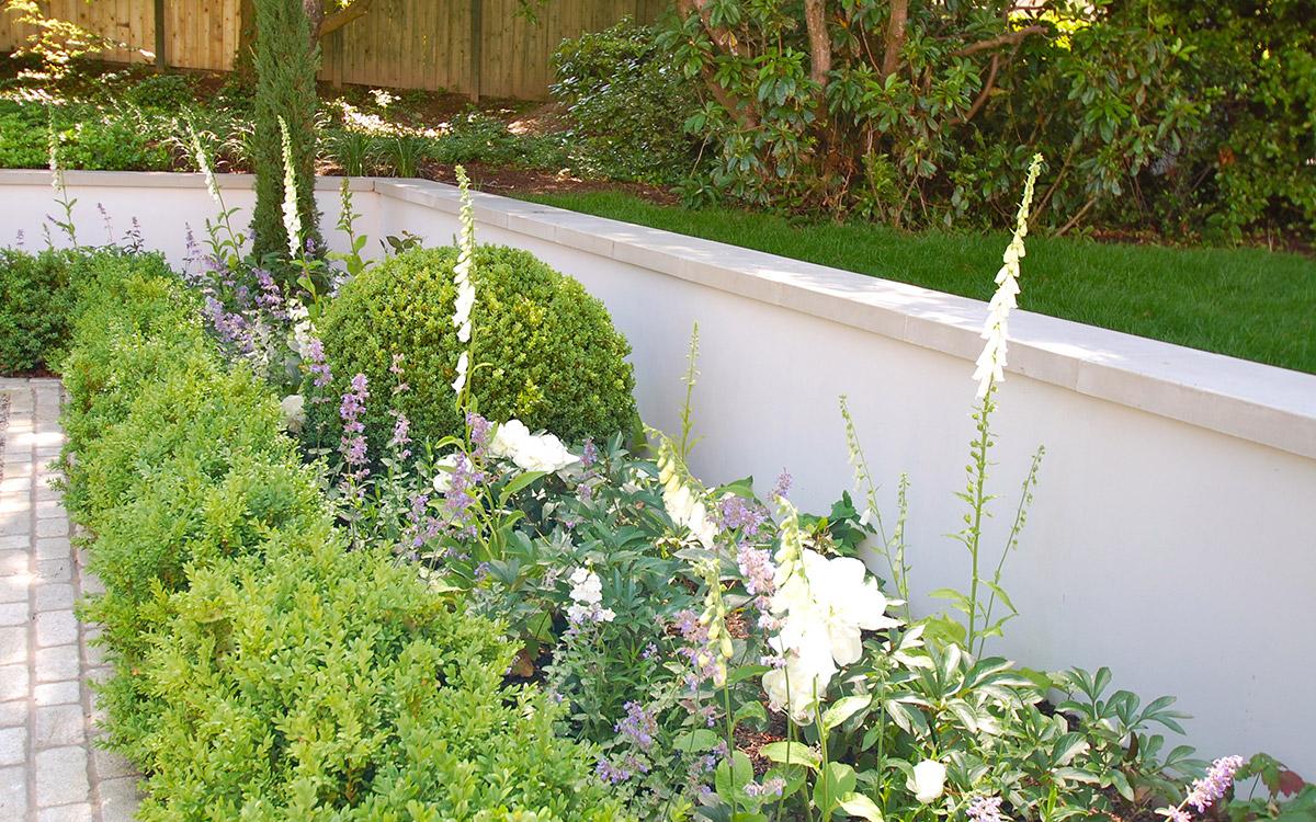 Traditional garden holywood johnny knox garden design for Garden design northern ireland